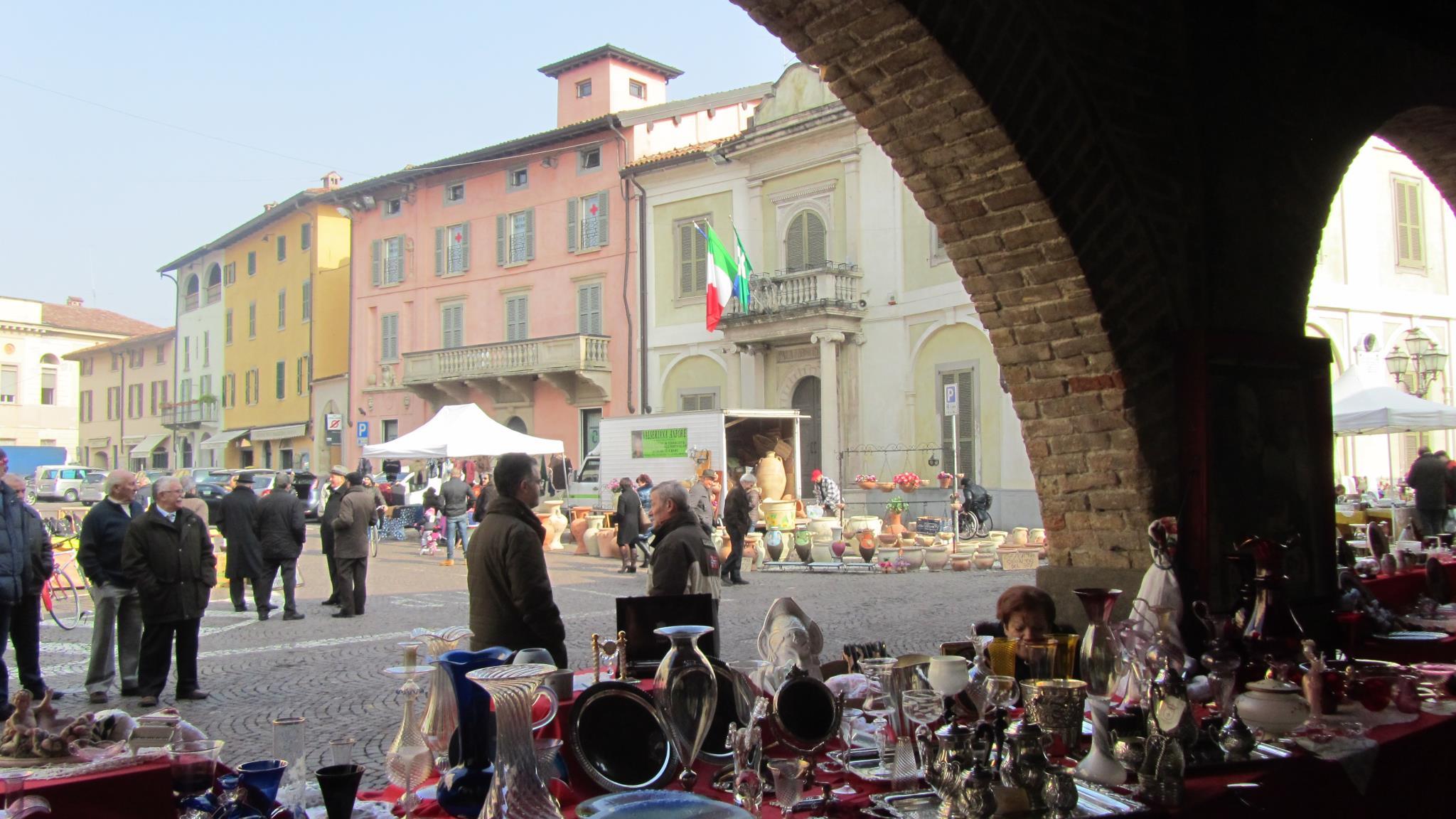mercato dell'antiquariato Martinengo